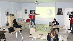 Kartal Belediyesi'nden Ailelere Afet Bilinçlendirme Eğitimi