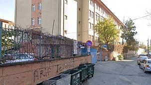 Maltepe'de öğretmen görev başında kalp krizinden öldü