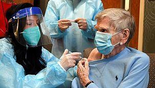 Corona aşısını durdurdular: 4 sağlık çalışanı fenalaştı