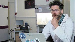 Covid-19 aşısı üzerinde çalışan bilim insanı ölü bulundu