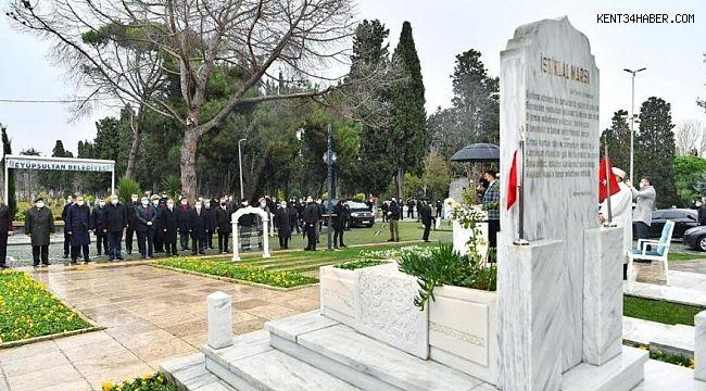 Mehmet Akif Ersoy, vefatının 84. yılında kabri başında anıldı