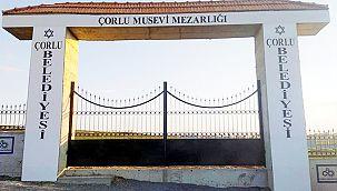 Musevi Mezarlığı'nın 1 Tonluk Kapısı İkinci Kez Çalındı