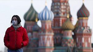 Rusya'da Günlük Vakası Sayısı Düşüyor