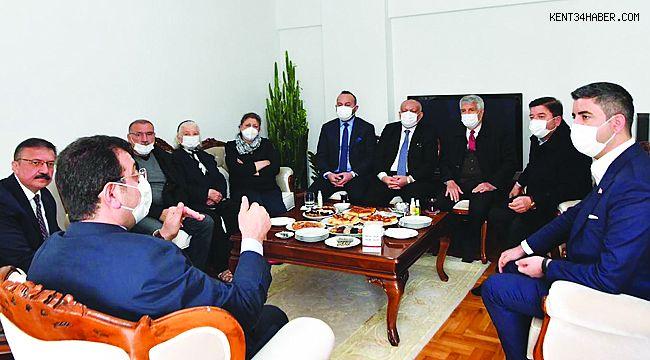 Başkan Gökhan Yüksel'den Ali Cengiz Erol'a Taziye Ziyareti
