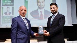 Başkan Öztekin 'Yılın En İyi Yerel Yöneticisi' Ödülünü Aldı