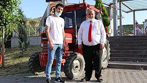 Babadan yadigar traktörle pide servisi