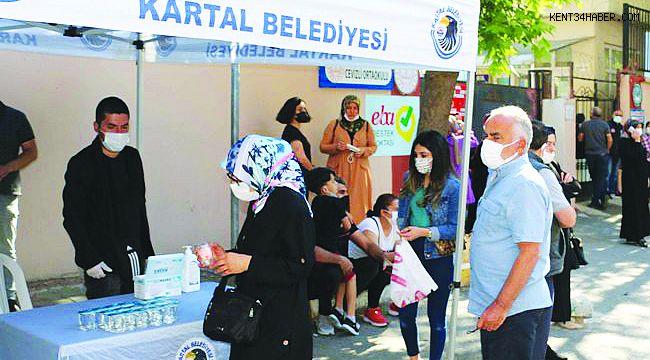 Kartal Belediyesi'den LGS Öncesi Okullarda Maske, Su ve Dezenfektan İkramı