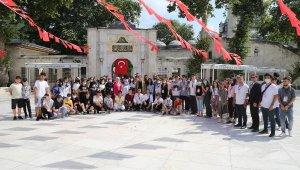 Diyarbakır'dan Gelen Öğrencilere İstanbul Turu