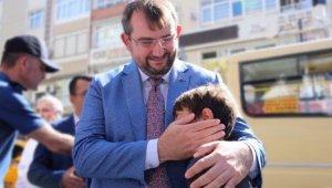 Komşu Esnaf Projesiyle Yetim ve Öksüz Çocukların Yüzü Güldü